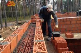 Подробнее о том, как мы строим дом из кирпича