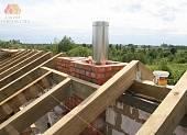 Смонтирована стропильная система основной крыши